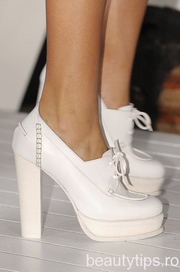 Pantofi Tommy Hilfiger 2013